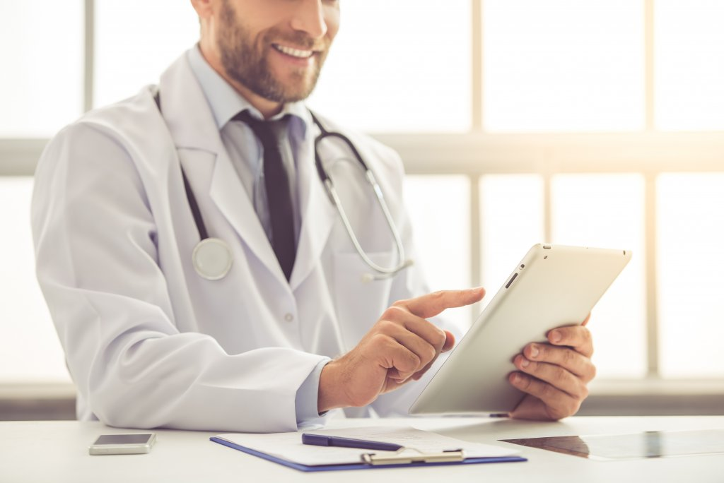 Image: Doctor on iPad