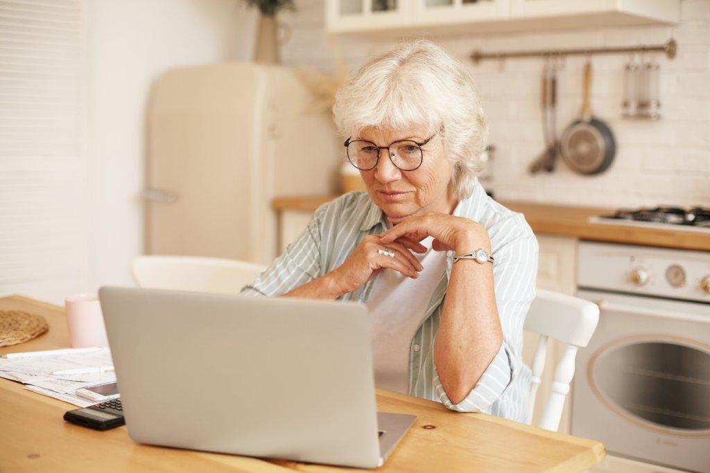 Image: Woman on Laptop